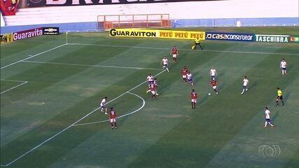 Relembre o gol de Jonathan contra o Paraná, em 2016