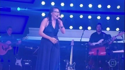 Laura Vieira canta 'Boa Sorte', sucesso de Vanessa da Mata