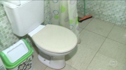 É comum as mulheres terem dificuldade para ir ao banheiro fora de casa