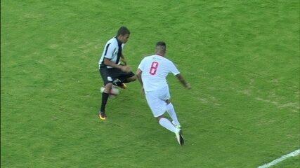Bruno Guimarães dá belo drible em jogador do Santos, aos 24 do 2º tempo