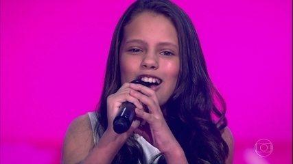"""Bella Alencar canta """"Que Sorte a Nossa"""""""