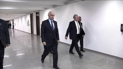 Alexandre de Moraes passa o dia visitando senadores