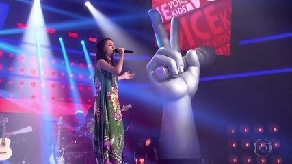 "Laura d'Ávila canta ""Erva Venenosa"""