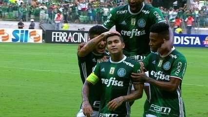Gol do Palmeiras! Dudu marca golaço de cobertura, aos 44' do 1º Tempo