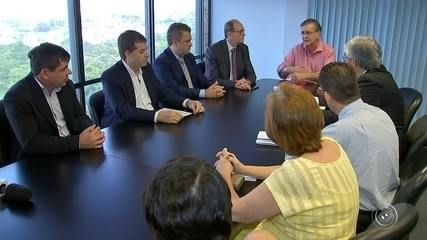 Prefeito assina decreto para regulamentação do Uber em Sorocaba