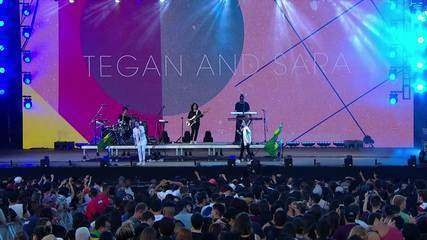 "Tegan and Sara cantam ""U Turn"""