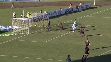 Confira os gols de Londrina 2 x 1 Atlético-PR pela volta da semifinal do Paranaense, no Estádio do Café