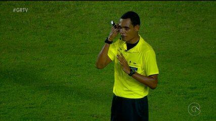 Na estreia, árbitro de vídeo rouba a cena na final do Campeonato Pernambucano