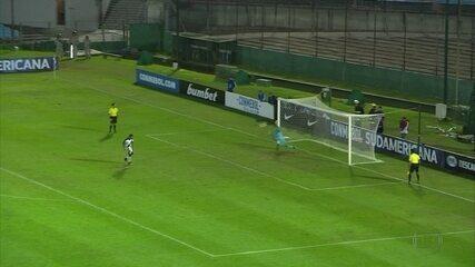Graças a Magrão, nos pênaltis, Sport vence Danubio e passa de fase na Sul-Americana