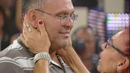 'Encontrar Alguém': Mãe reencontra o filho 46 anos depois