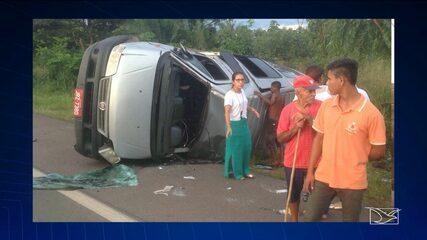 Colisão entre caminhão e van é registrada no Maranhão