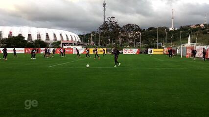 Guto Ferreira mantém Inter com Edenílson na direita