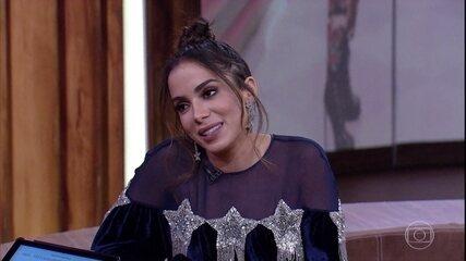 """Anitta comenta burburinho internacional com os hits """"Paradinha"""", """"Switch"""" e """"Sim ou Não"""""""