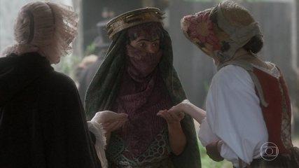 Na novela 'Novo Mundo', uma cena em que Dalila (Ingrid Guimarães) faz previsões sobre Narcisa