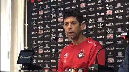 """Técnico Fabiano Soares sobre o momento do Atlético-PR: """"É levantar o estado anímico"""""""