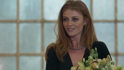 Athaíde manda flores para Ulla