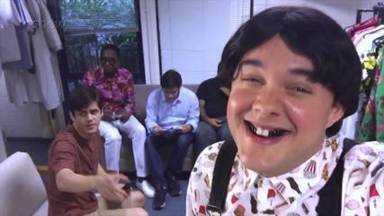 Gui Santana (Zaca) mostra um pouco do que rola dentro do camarim dos Trapalhões
