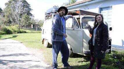 Casal troca moto 'Gafanhoto' para dar volta ao mundo com Kombi 'Xênia Filomena'