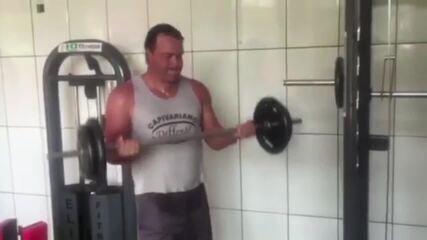 Confira vídeos postados em redes sociais de Roberto Fernandes, técnico do Náutico