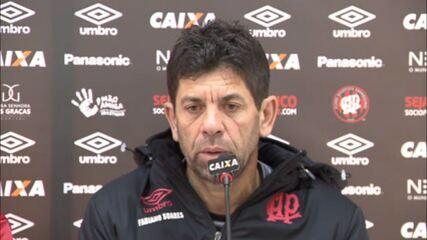 Fabiano Soares fala sobre Thiago Heleno, Sidcley e escalação do Atlético-PR