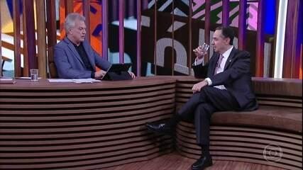 Bial questionou Luís Roberto Barroso sobre práticas do Supremo e falou sobre Temer