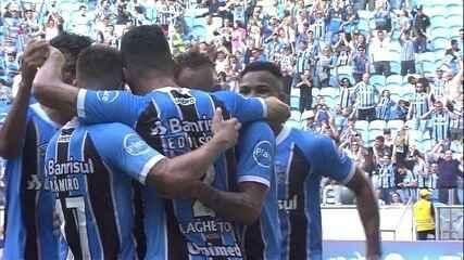 Gol do Grêmio! Everton completa bela jogada de Edílson e amplia, aos 34' do 1º tempo