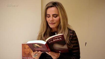 Bruna Lombardi declama poesia de sua autoria