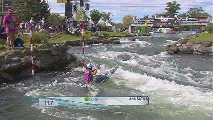 Ana Sátila faz bom tempo e avança à semifinal