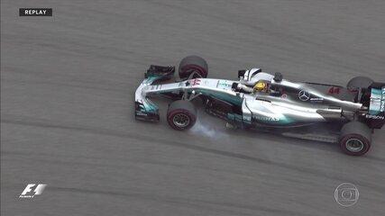 Hamilton segue no limite dos pneus