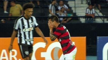 Os gols de Botafogo 2 x 3 Vitória pela 26ª rodada do Brasileirão