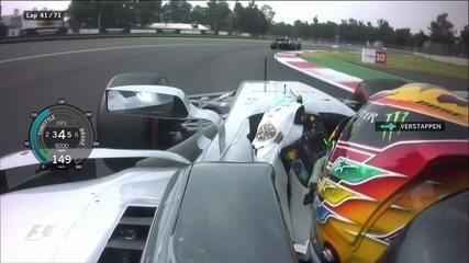 Verstappen leva puxão de orelha da equipe duas vezes e pede desculpas