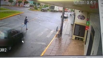 Motorista é preso em Vacaria após atropelar pedestre em faixa de segurança e fugir