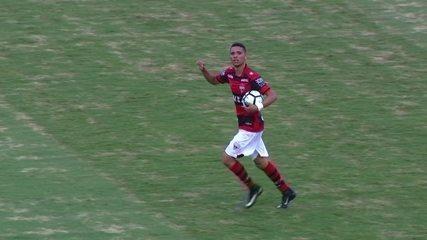 Gol do Atlético-GO! Luiz Fernando aproveita cruzamento, dribla e chuta aos 45' do 2º Tempo