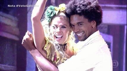 Adriane Galisteu e Marcus Lobo arrasam no palco do 'Domingão'