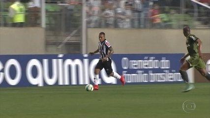 "Contra o Coritiba, Otero faz gol que ""Pelé nunca fez"", do meio de campo"