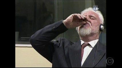 Comandante condenado na Bósnia toma veneno em tribunal