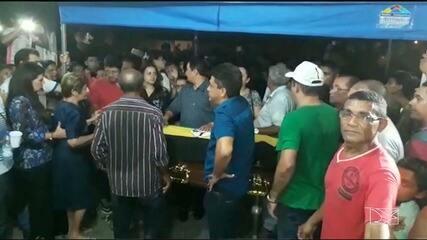 """Enterrado corpo do ex-prefeito """"Nenzim"""", em Barra do Corda."""