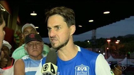 Jogo em prol de causa solidária reúne craques do futebol brasileiro no ES