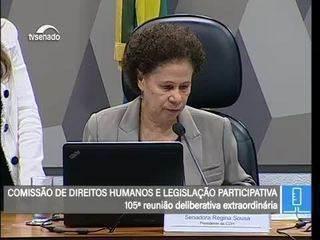 Fátima Bezerra lê parecer contra retirar de Paulo Freire título de patrono da educação