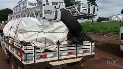 Caminhoneiros não podem mais prender cargas pesadas com cordas