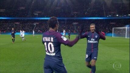 Neymar faz quatro gols e recebe nota 10 de jornal em vitória do PSG