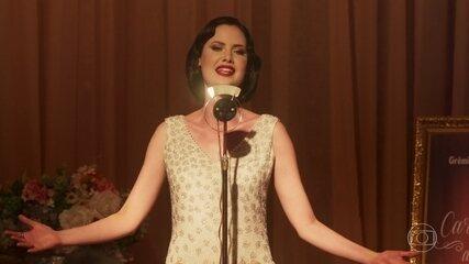 Recital de Carolina tem presença de Ester Delamare e climão entre baronesa e Emília