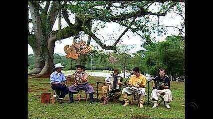 Em 2002, Volmir Martins estreava nova música no Galpão Crioulo