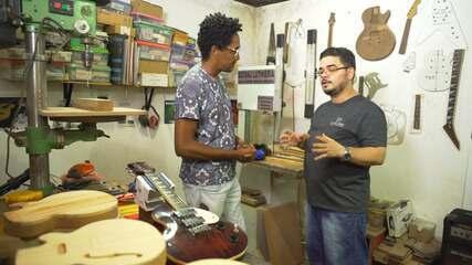 Luthier explica passo a passo de criação da guitarra baiana; Aroldo Macêdo dá uma palinha