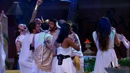 Brothers comemoram aniversário de Caruso na Festa Deuses Gregos