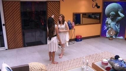 Paula dá bronca em Ana Clara: 'Ele está ficando com a Jaque e você fica ali atrás dele'