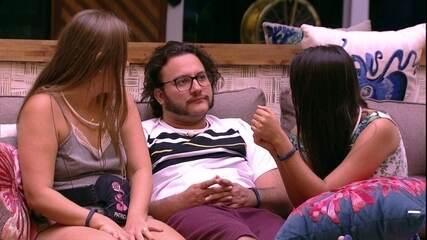 Patrícia conta que ouviu Gleici e Ana Clara combinando voto
