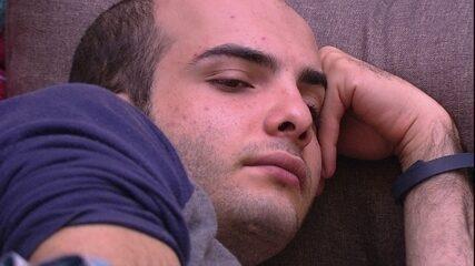 Mahmoud sobre o jogo: 'Pequei muito aqui'