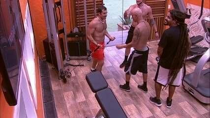 Ayrton dá palpites em treino de Kaysar