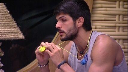 Lucas se abre com Mahmoud